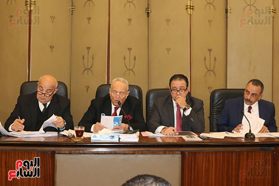 اللجنة التشريعية (7)