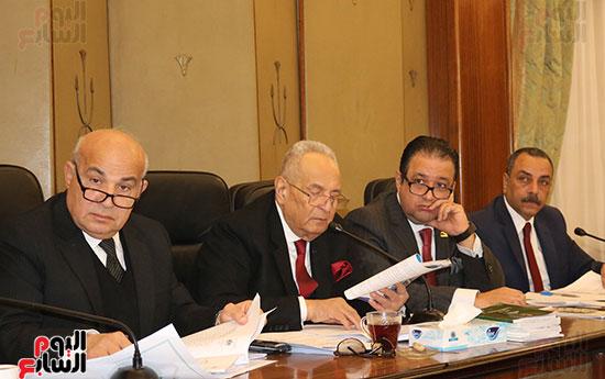 اللجنة التشريعية (9)