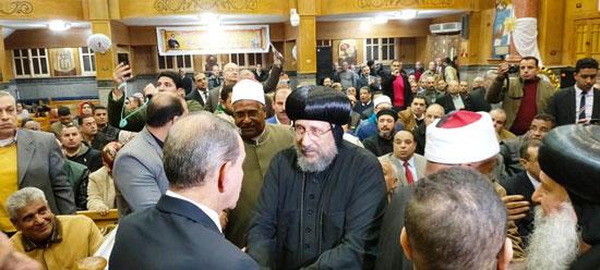 محافظ كفرالشيخ يشهد مراسم مئوية تأسيس كنيسة مار جرجس بدسوق (17)