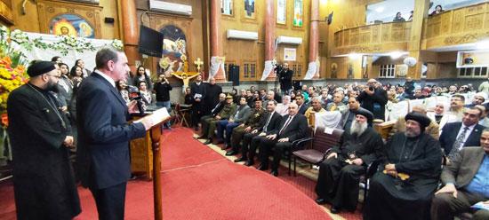 محافظ كفرالشيخ يشهد مراسم مئوية تأسيس كنيسة مار جرجس بدسوق (3)