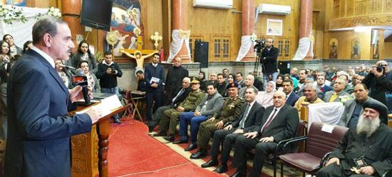 محافظ كفرالشيخ يشهد مراسم مئوية تأسيس كنيسة مار جرجس بدسوق (4)