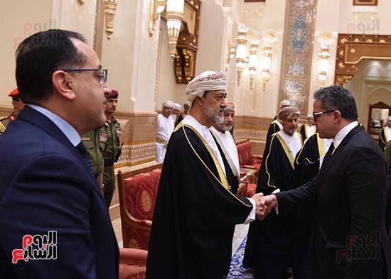 وزير السياحة والاثار يقدم واجب العزاء فى وفاة السلطان قابوس