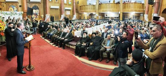محافظ كفرالشيخ يشهد مراسم مئوية تأسيس كنيسة مار جرجس بدسوق (2)