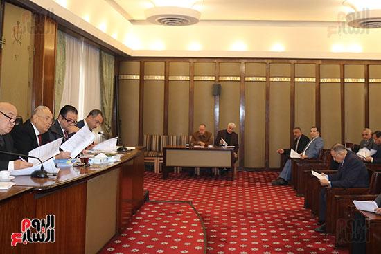 اللجنة التشريعية (6)