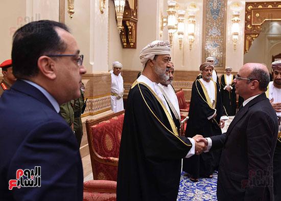 وزير العدل يقدم واجب العزاء فى وفاة السلطان قابوس