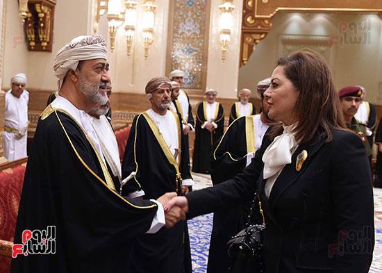 وزيرة التخطيط تقدم واجب العزاء فى وفاة السلطان قابوس