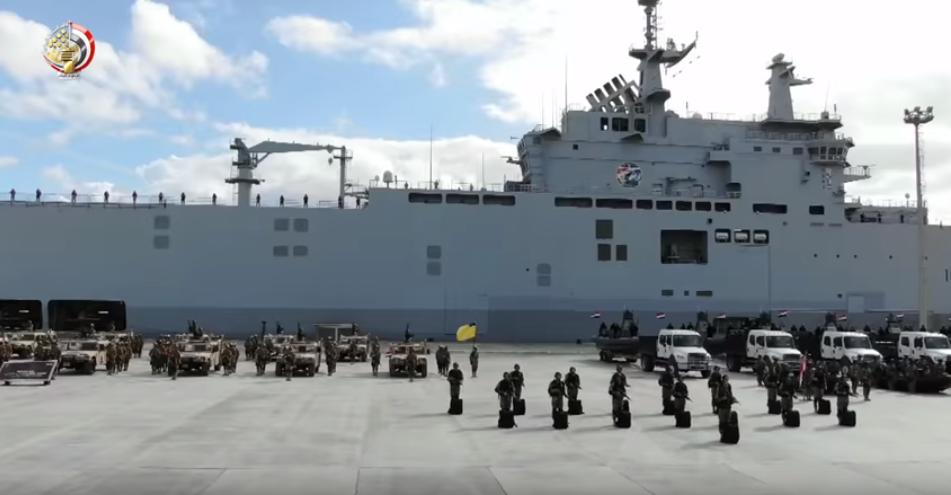 سفينة حربية للجيش المصري مناورة قادر 2020