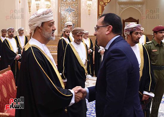 رئيس الوزراء يلتقى السلطان هيثم بن طارق بن تيمور