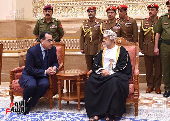 رئيس الوزراء والسلطان هيثم بن طارق