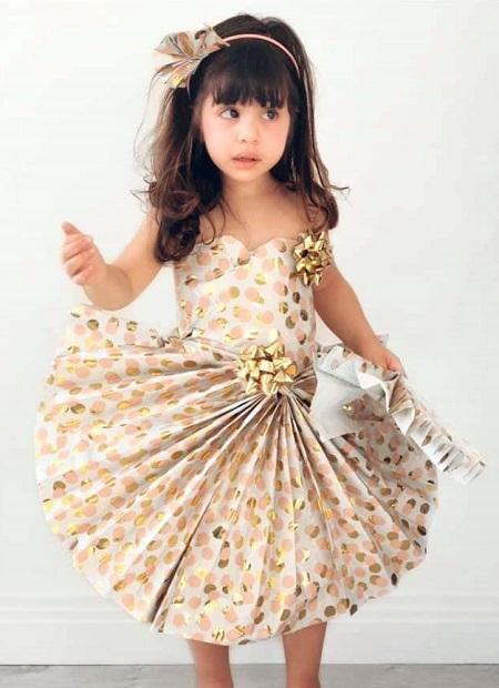 فستان سوارية من الورق