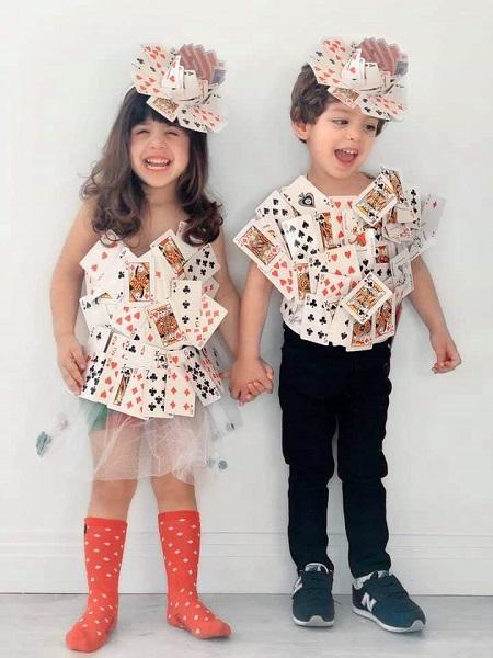ملابس من ورق الكوتشينة