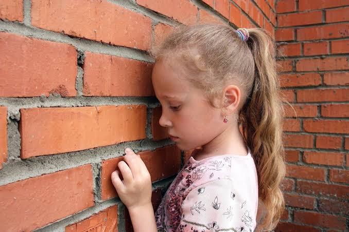 علاج الاكتئاب عند الاطفال