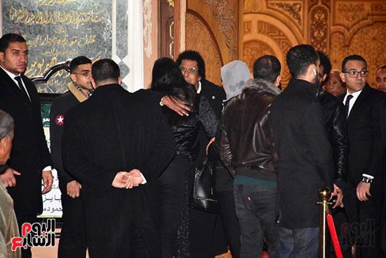عزاء زوج شقيقة محمد منير (9)