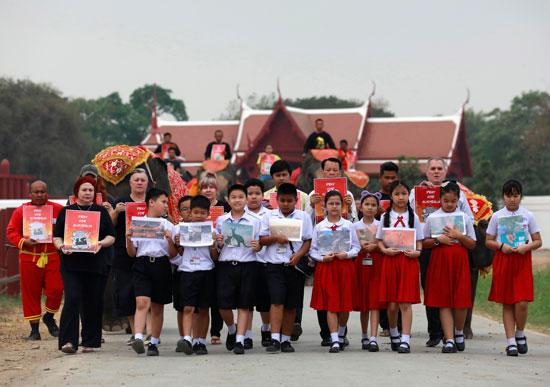 عدد-من-الأطفال-المشاركين-فى-المسيرة