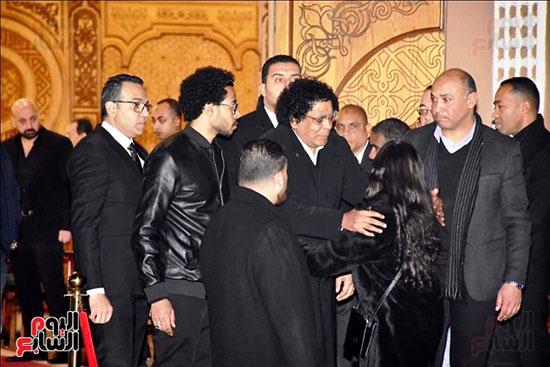 عزاء زوج شقيقة محمد منير (34)