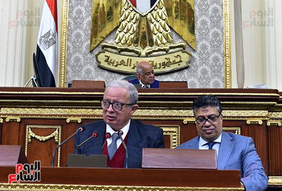 حسين عيسى رئيس لجنة الخطة بالبرلمان