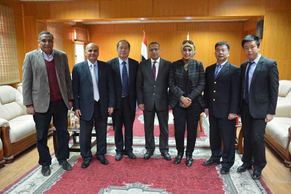 رئيس جامعة الأقصر يلتقى نائب السفير الصينى لبحث سبل التعاون (3)