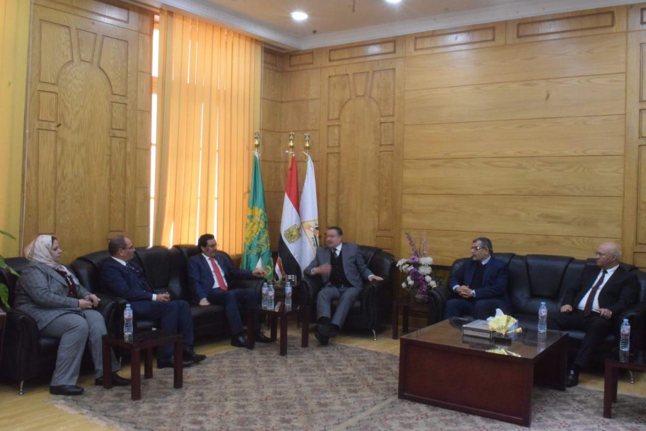 تعاون بين جامعة بنها والمنظمة العربية للتنمية الإدارية (1)