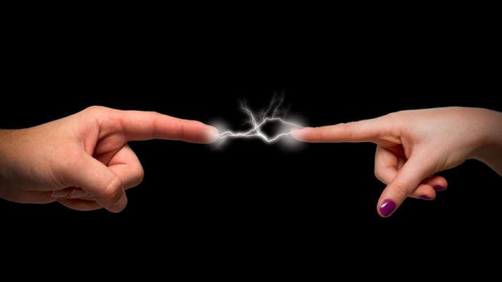 الشعور بكهرباء