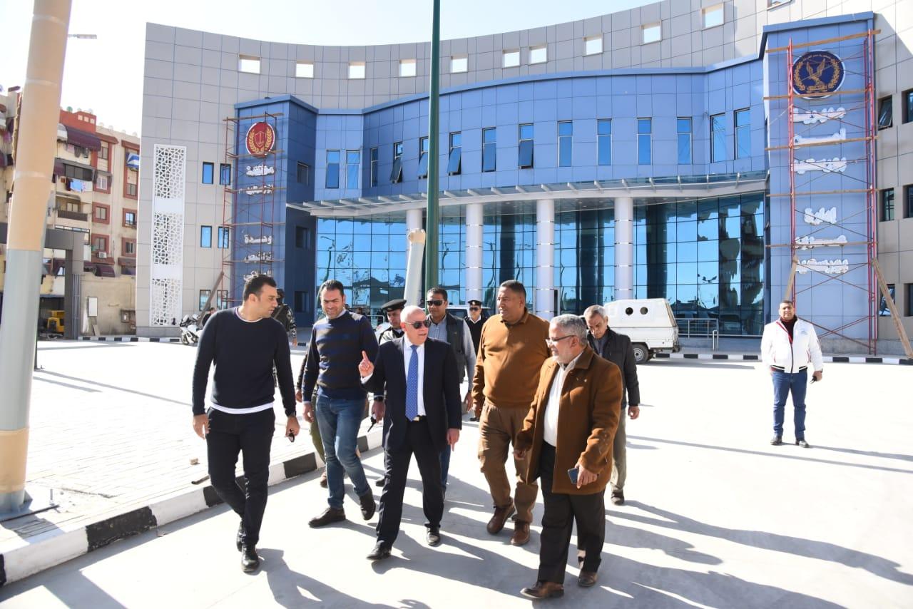 محافظ بورسعيد يشيد بمستوي وحدة تراخيص الملاكي  بمنطقة  الإسراء بحي الضواحي (5)