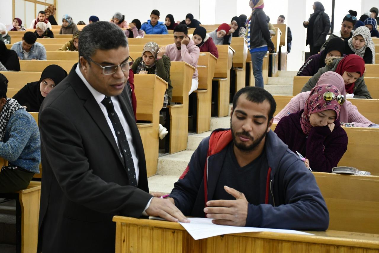 3-متابعة لجان الإمتحانات