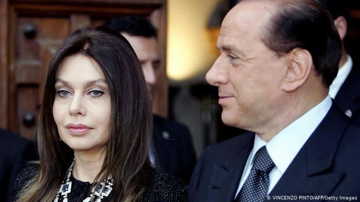 بيرلسكونى وزوجته