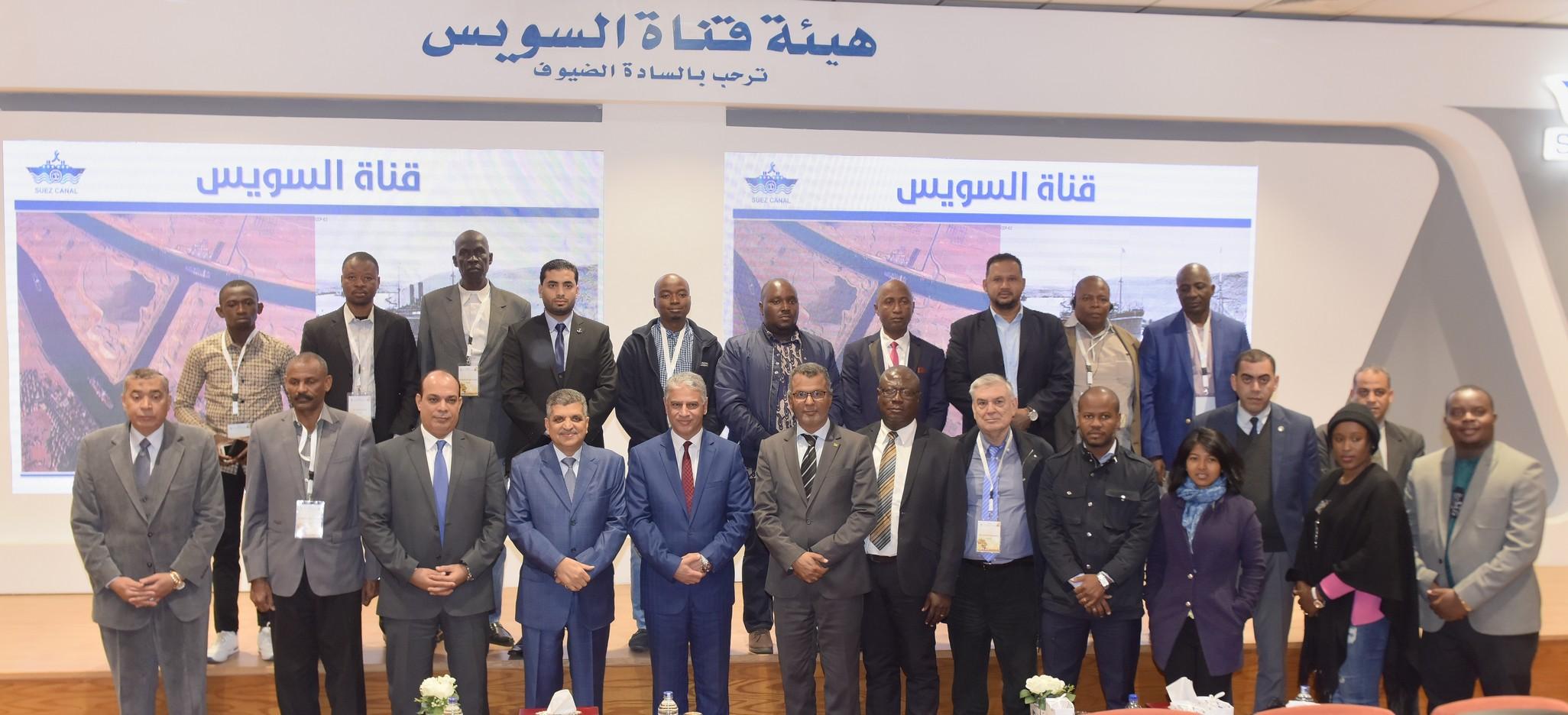 رئيس هيئة قناة السويس يستقبل وفد المشاركين في المنتدى الإفريقيالسادس  (2)