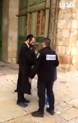 حاخام يشكر شرطة الاحتلال على مساعدة كبار السن