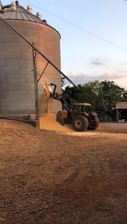 8 Veja o exato momento que silo se rompe no RS - YouTube