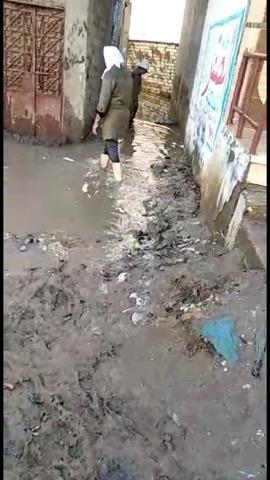 غرق شارع عبد العزيز قبالة بمياه الصرف الصحى (1)