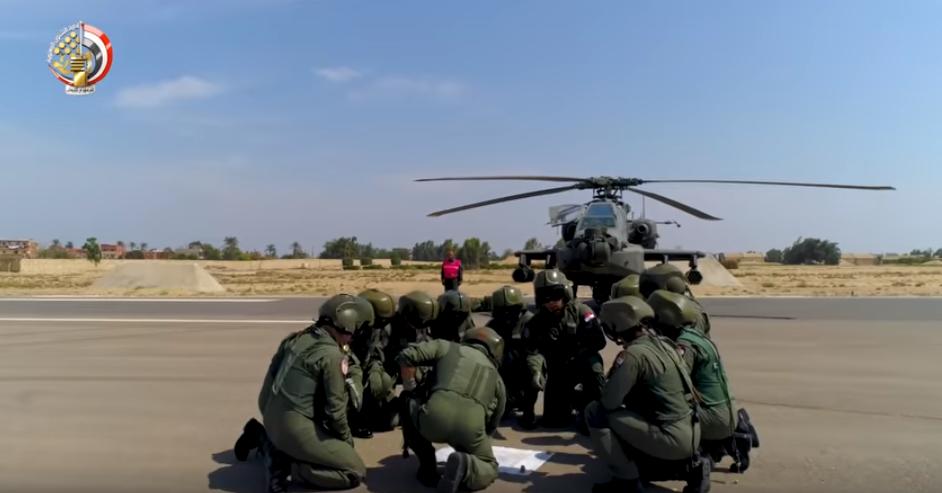 أبطال القوات الجوية يستعدون للمهمة