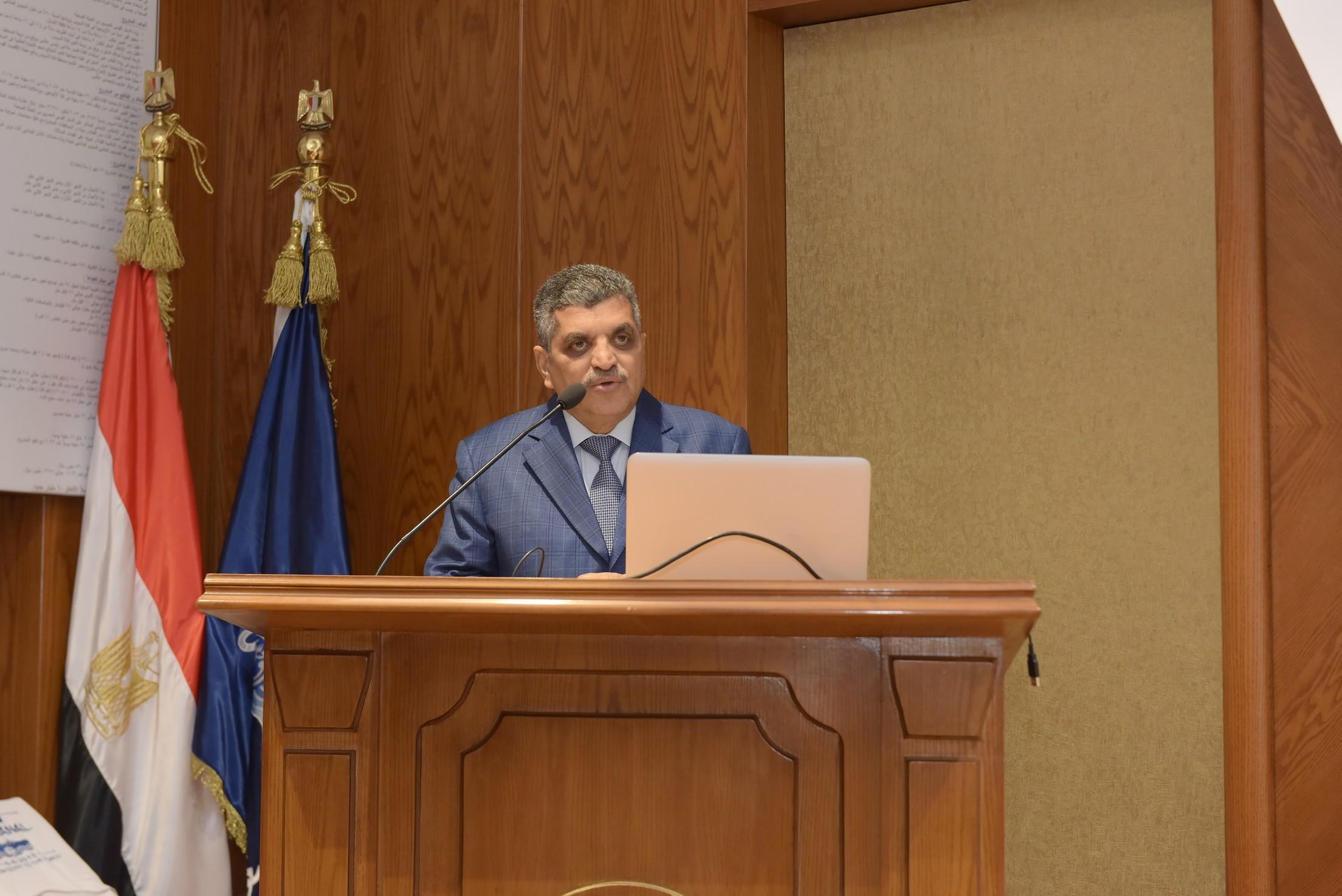 رئيس هيئة قناة السويس يستقبل وفد المشاركين في المنتدى الإفريقيالسادس  (4)