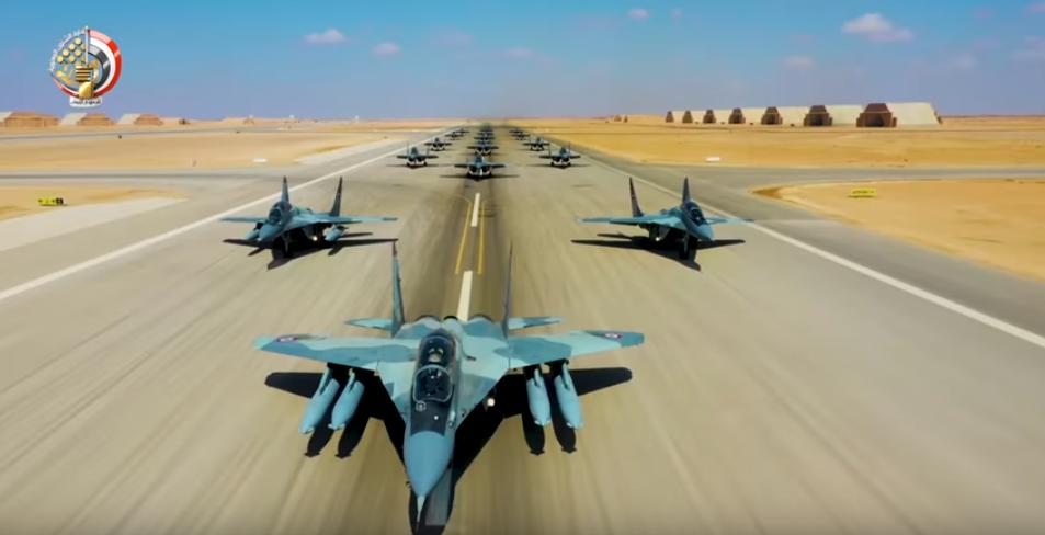 اصطفاف الطائرات بالجيش المصرى
