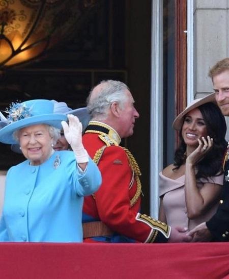 ميجان والملكة فى إحدى اللقاءات الرسمية