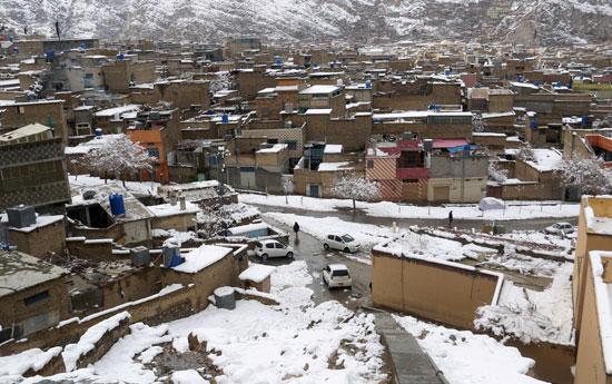 منظر عام للمنطقة السكنية بعد تساقط الثلوج