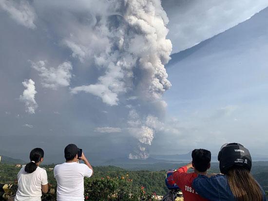بركان تال بالفلبين (2)