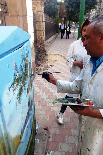 شباب التعليم الفنى بأسيوط يحولون أكشاك الكهرباء إلى لوحات فنية (7)