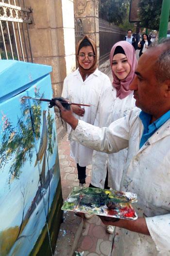 شباب التعليم الفنى بأسيوط يحولون أكشاك الكهرباء إلى لوحات فنية (9)