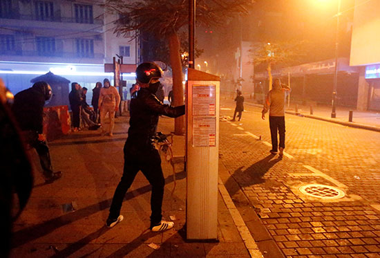 المحتجون اللبنانيون فى مواجهة الأمن