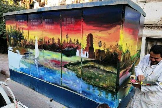 شباب التعليم الفنى بأسيوط يحولون أكشاك الكهرباء إلى لوحات فنية (11)