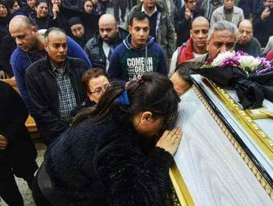 تشييع جثمان عروس الجنة الدكتورة سماح نبيل شهيدة ميكروباص طبيبات المنيا (4)