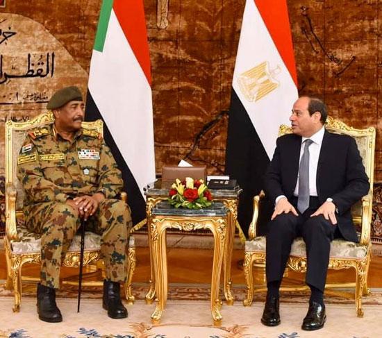 الرئيس عبد الفتاح السيسي والفريق أول ركن عبد الفتاح البرهان