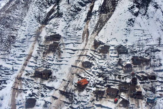 منازل الباكستانيين التى تعرضت للانهيار