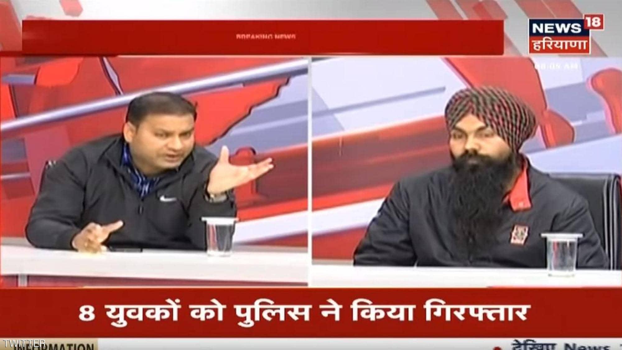 شاب هندى يعترف بتفاصيل جريمته أمام الجمهور