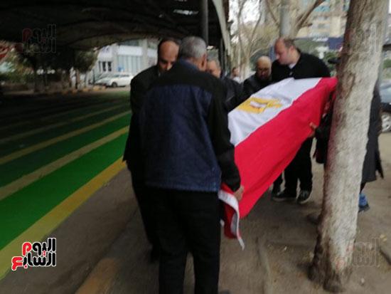 وصول جثمان الفنانة ماجدة (3)