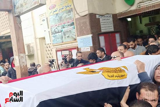 وصول جثمان الفنانة ماجدة الصباحى (1)