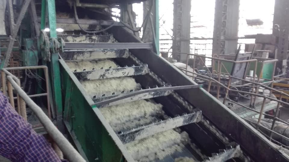 شاهد عصير القصب في مصنع سكر أرمنت وإنتاج كميات السكر في الموسم الجديد (7)