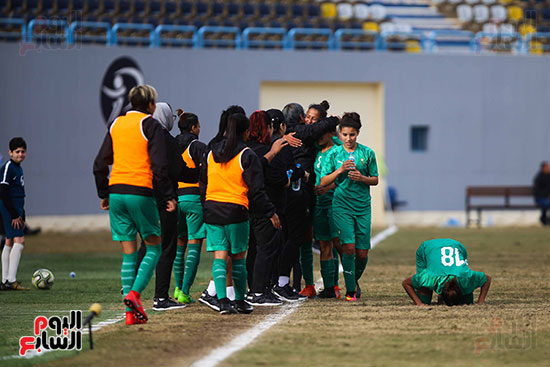 احتفال لاعبى المغرب بالهدف الثانى