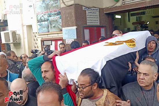 وصول جثمان الفنانة ماجدة الصباحى (2)