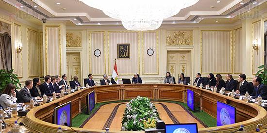 رئيس الوزراء يتابع موقف تأثيث مقار الوزارات بالعاصمة الإدارية  (4)
